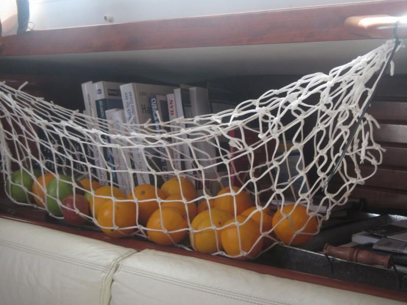 Uns gehen lkangsam aber sicher die Früchte und Gemüse aus. Ganz im Gegensatz zum tiefgefronen Fleisch.