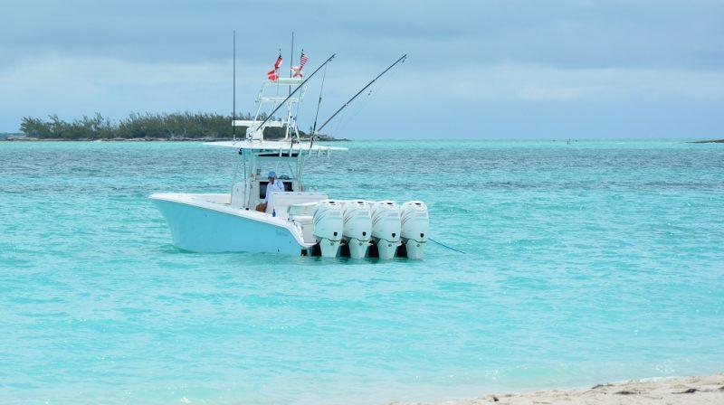 Und nun ein paar Bilder zu den Motorbooten die hier ca. 95% alles Wasserfahrzeuge ausmachen.