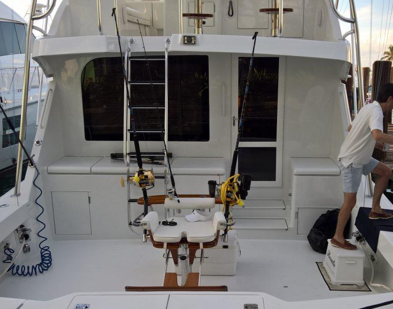 Und dann für diejenigen die etwas älter und schwächer sind, elektrische Angelruten. Auch benutzt für den Fang von Snapper, die auf ca. 200 m Tiefe gefangen werden. Hochziehen ist dann mühsam!